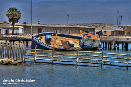 Old-Ship-in-Namibia-IMG_6028_29_30_tonemapped